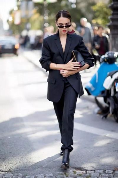 秋冬服装流行趋势示范 西装外套也能让你时髦上天