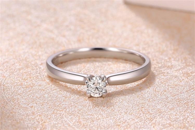 潮宏基珠宝真情白18k金钻石戒指_珠宝图片