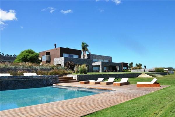 乌拉圭La Barra豪宅:视野开阔的乡村别墅