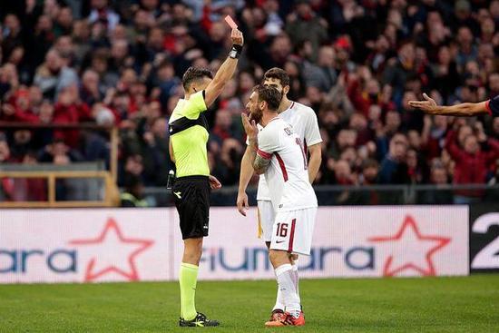 德罗西被禁赛2场 因在上轮联赛掌掴热那亚前锋拉帕杜拉
