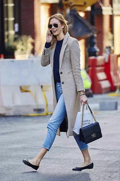 欧美服装流行趋势示范 冬季长裙长裤踝靴一件都不能少