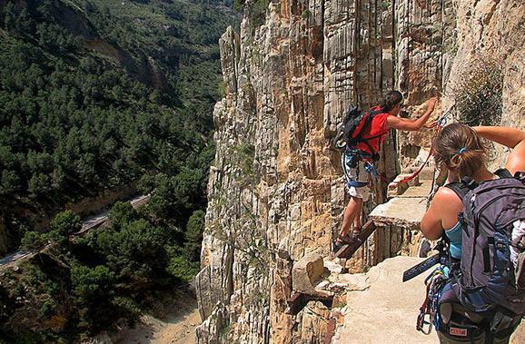 全球十大恐怖悬崖步道 危险而美丽