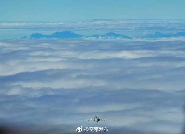 轰6K巡航台湾玉山 是一种正常的飞行训练活动