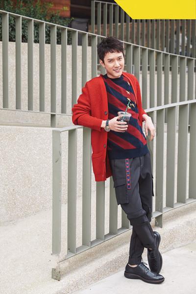 冯绍峰佩戴北京表潜锋系列腕表拍摄写真大片
