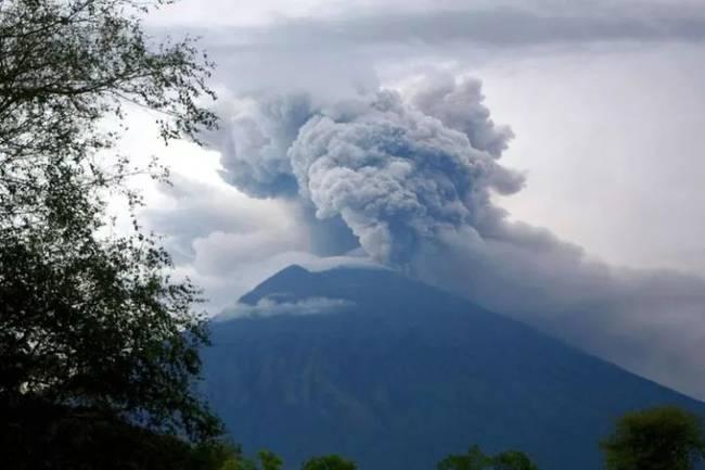大陆包机赴巴厘岛接游客 接回因阿贡火山爆发而滞留当地的大陆游客