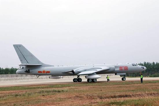 中国空军这3架军机最忙 伊尔-78加油机亮相演兵场