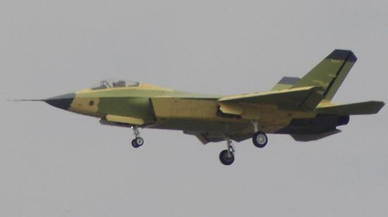 沈飞是否缺乏原创 歼31与F-22战斗机较为相似只是少了两个副翼