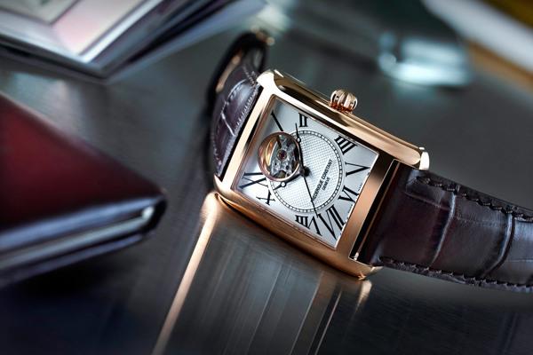 康斯登名表品牌推出全新Carrée典雅天方自动腕表