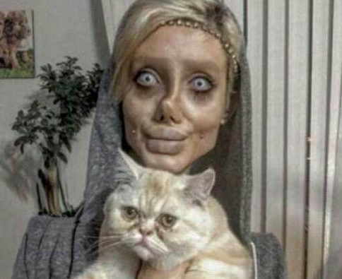 土耳其女孩整容50次 只为变成偶像样子