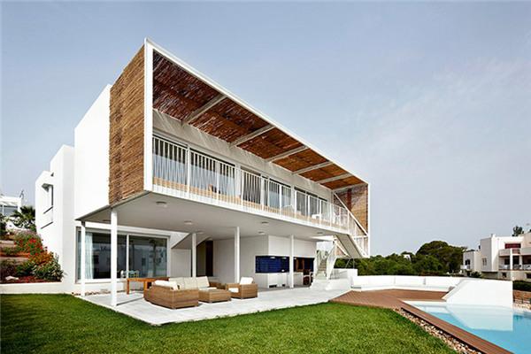 马略卡岛豪宅:一座将冬季和夏季分开的建筑