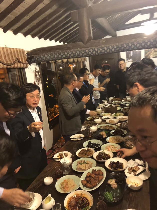 乌镇饭局丁磊做东 被称为东半球互联网行业身价最高饭局