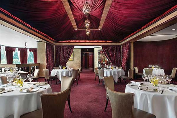 香港朗廷酒店唐阁再次蝉联米其林三星食府荣誉