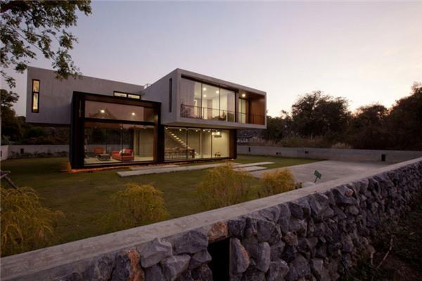 泰国W House豪宅:住宅在材料与色调搭配上异常协调