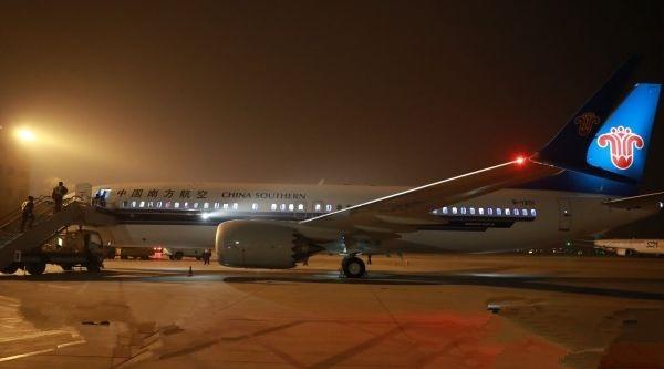 三架全新客机降落乌鲁木齐 737MAX私人飞机首驻西北