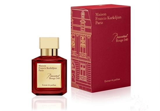 弗朗西斯化妆品品牌推出全新圣诞限量系列香水