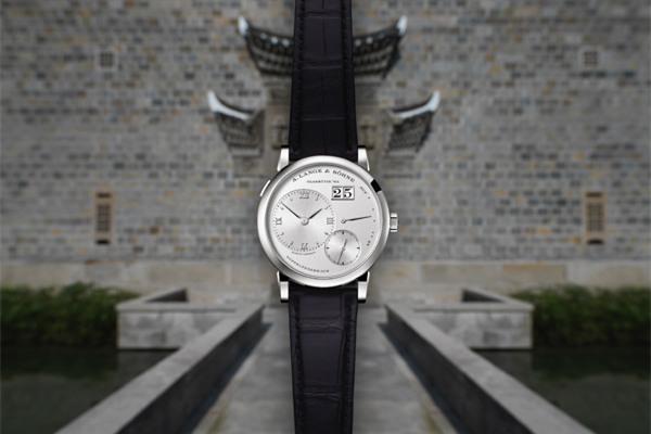 将古典融入现代 朗格表于养云安缦酒店发布腕表新作