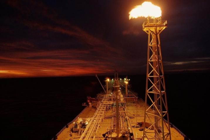 中国包下澳大利亚万亿方天然气 美国气疯了!