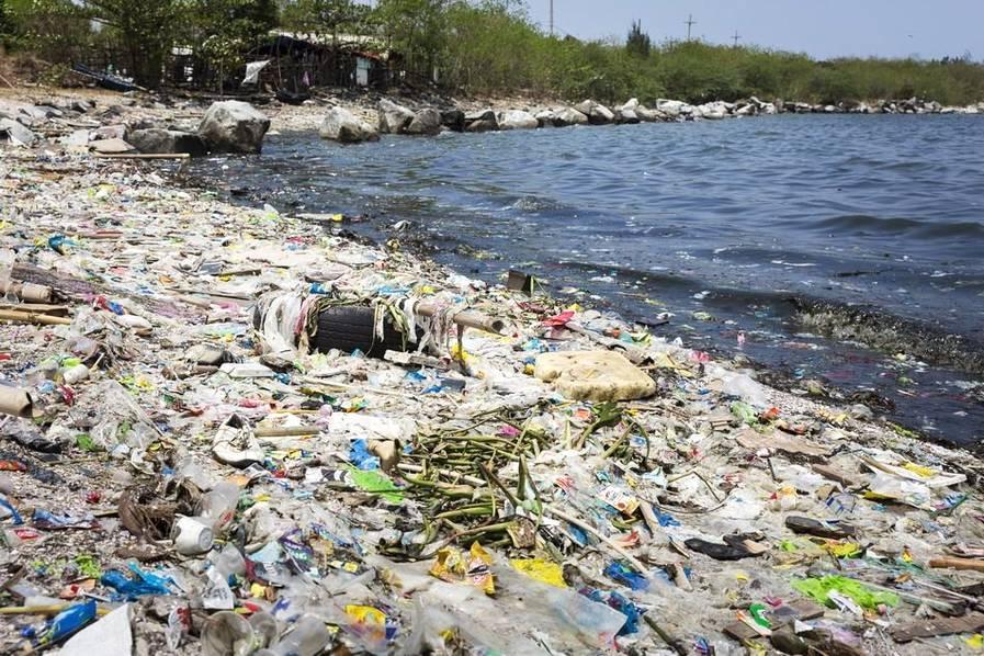 塑料危机席卷全球 足以围绕地球超过400周