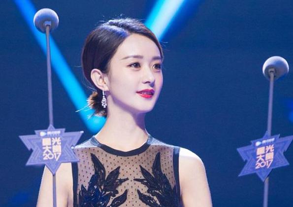 赵丽颖携戴比尔斯高级珠宝斩获2017星光大赏年度电视剧女演员