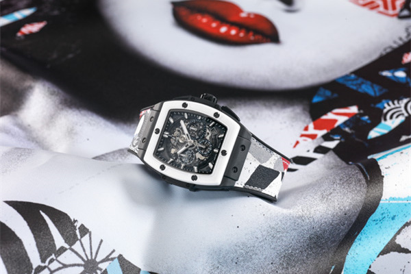 宇舶表携手著名街头艺术家Hush发布全新限量腕表