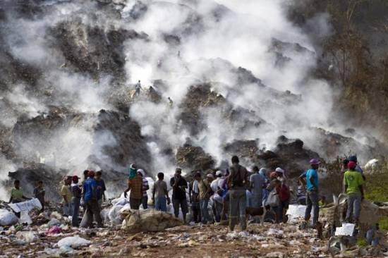 海纳是美洲国家多米尼加的一个小城市,人口只有9万。说它是全世界污染最严重的城市不为过