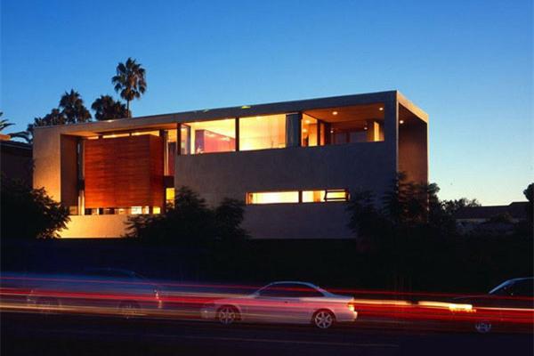 拉荷亚豪宅:宽阔视野使这座住宅显得更加美轮美奂