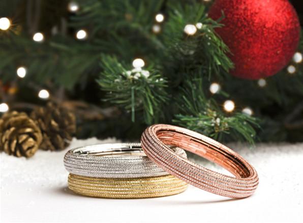 妮华莫迪臻献全新Embrace®系列可伸缩珠宝 共享圣诞欢宴