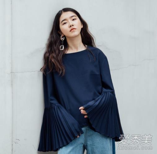 达人示范服装流行趋势 针织遇到喇叭元素时髦度翻倍
