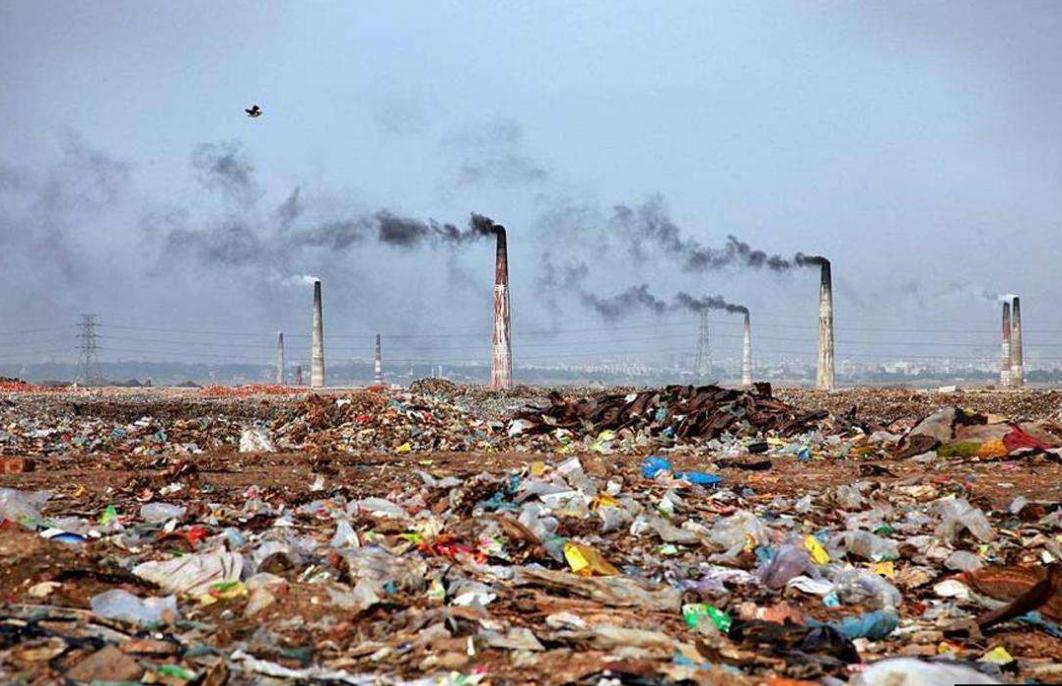 孟加拉国,巨大的露天垃圾场