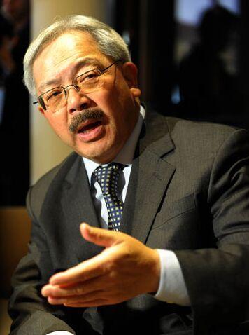美华裔市长去世 旧金山市政厅降半旗悼念