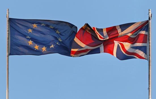"""脱欧费用太高英国想反悔?欧盟表示这是""""君子协定"""""""