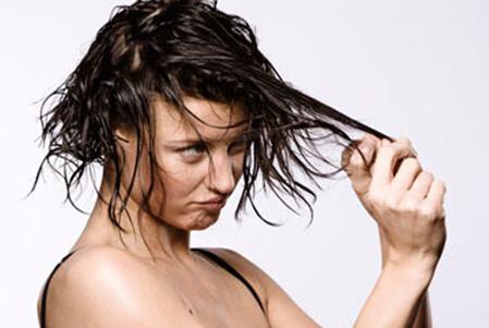 头发油腻是因为枕头的原因