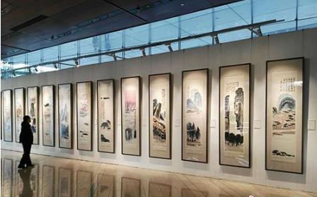 齐白石作品《山水十二条屏》保利拍出9.3亿 买家是中国藏家