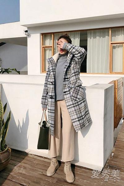 冬装穿衣搭配造型示范 越有温度感才越时髦