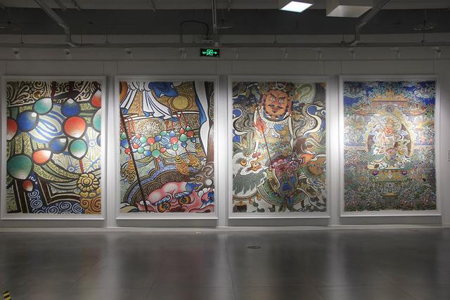 裂隙之光:嘠日尔艺术小组琥珀画专题艺术展在重庆开展