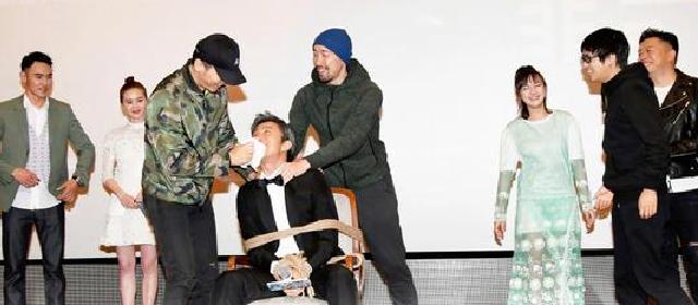 李晨写影评调侃邓超:宣传个电影都快把腰送人了