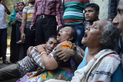 孟加拉国发生踩踏致10死 为警方控制秩序导致