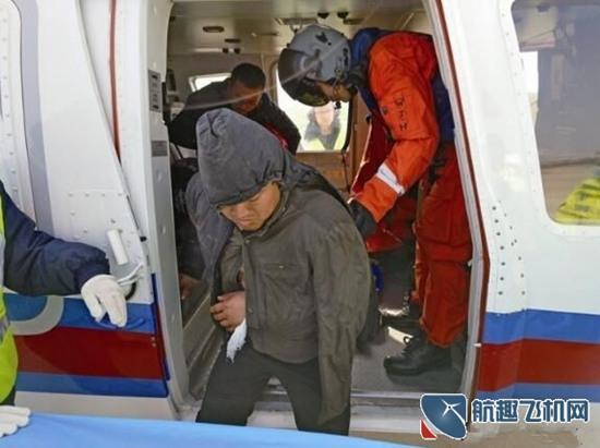 东海第一救助飞行队出动私人直升机顺利救助受伤渔民