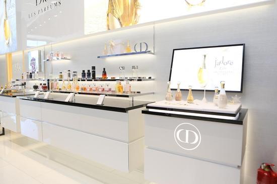 Dior迪奥后台彩妆概念精品店于北京朝阳大悦城隆重开业