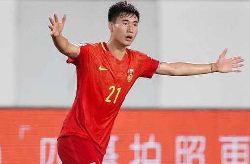 首届中国金球奖评选公布 恒大球员冯潇霆当选