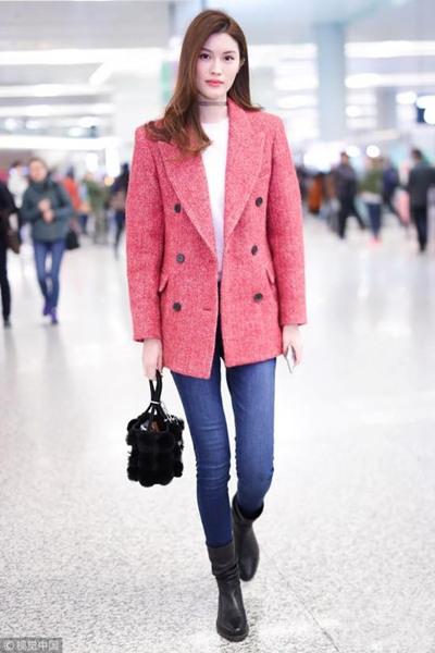 跟明星学穿衣搭配造型 西服大衣才是外套中的气场王