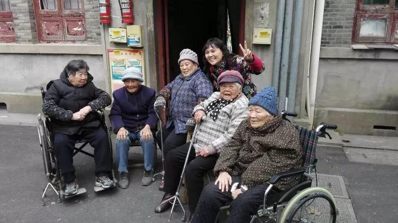 杭州古楼4个闺蜜相伴63年不分开 这个是不是很难得?
