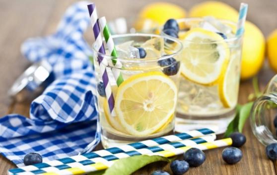 喝柠檬水的保健功效 还能促进伤口愈合