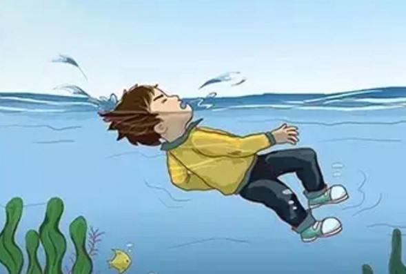 女子被风吹进钱塘江 不小心落水后该如何自救?