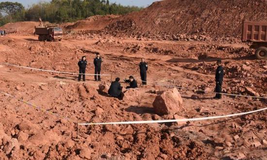 江西工地发现20余枚恐龙蛋化石 距今1.3亿年左右
