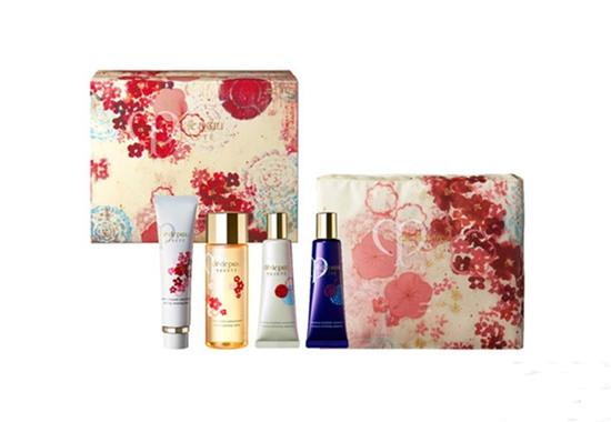 CPB化妆品品牌推出全新中国风圣诞彩妆系列