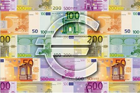 2017年欧元是如何走出强势的?