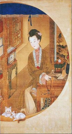 《雍正十二妃》绘于雍正登基之前,在藩邸时所绘,为圆明园的实景。妃子所着服装,为当时汉人妇女流行的装束,雍正和乾隆也都有穿着汉人服装的画像。据清宫内务府档案记载,清宫许多帝后的肖像画的脸部,由外国画家主绘,而衣服纹饰和背景则由供奉宫廷的中国画家補绘。