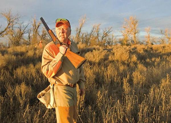 原野打猎场,配有专门的独立房屋存放枪支弹药、捕猎工具。这里野生动物有不少,白尾鹿、麋鹿都是常客。