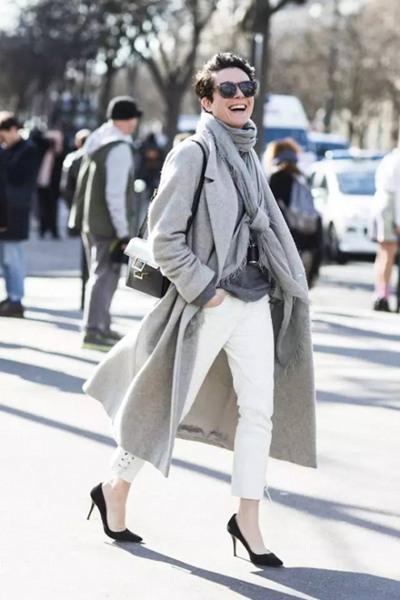 欧美冬季街拍穿搭示范 来条围巾让你时髦又好看